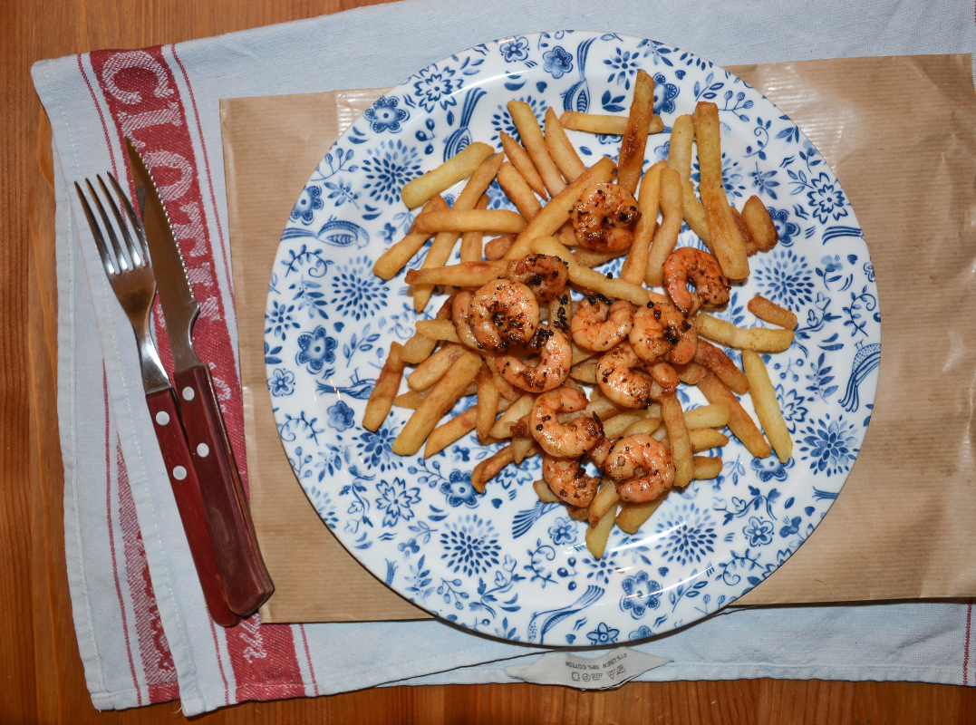Garlic, Chilli and Lime Prawns with French Fries